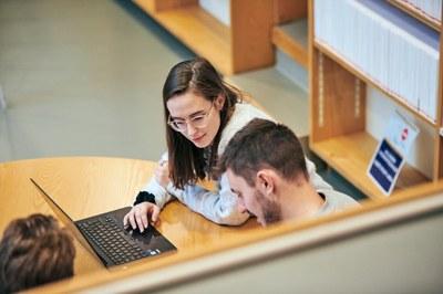 Syksyn opintojen suunnittelu: Tutustu tarjontaan opinto-oppaassa