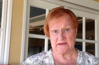 """Tarja Halonen aloitti """"Minun Chydeniukseni"""" -videoiden sarjan, nyt vuorossa Erkki Liikanen"""
