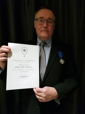 Jukka Ihalaiselle Suomen Valkoisen ruusun ansioristi