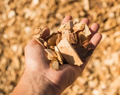 Kestäviä tuotteita sahanpurusta, puunkuoresta ja ligniinistä