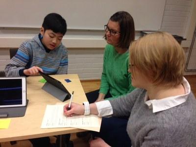 Lapset opastavat opettajaopiskelijoita koodauksen maailmaan