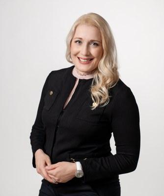 Monika von Bonsdorff Vaasan yliopiston liiketoiminnan kehittämisen professoriksi
